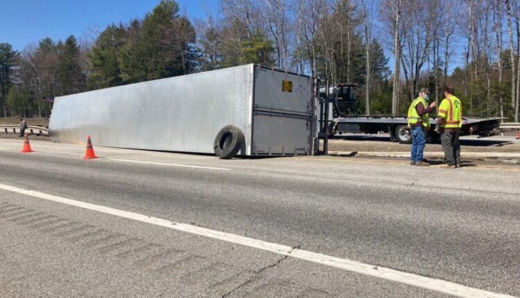 Tractor-trailer-rollover-1024×768.jpg