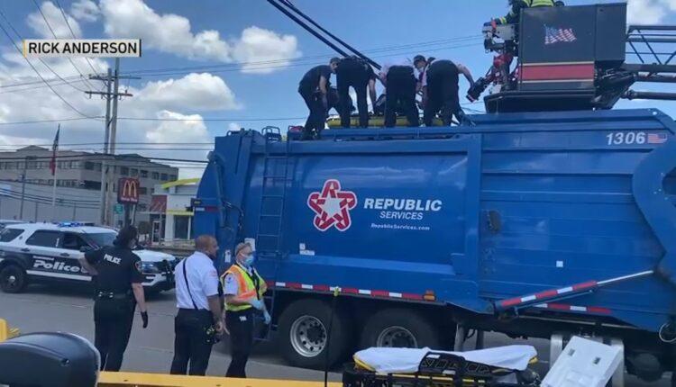 Framingham-Trash-Truck-051421.jpg