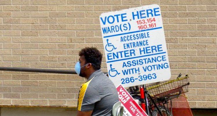 Voting-Wisconsin_Isiah-Holmes.jpg